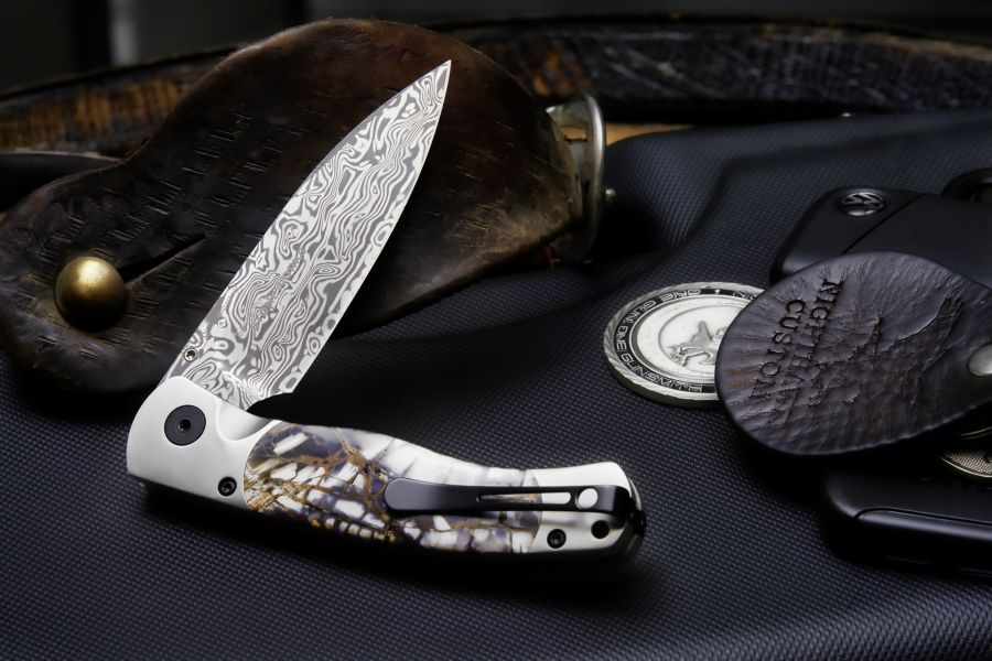 "Mammoth Handle 3 1/4"" Blade Folding Knife"