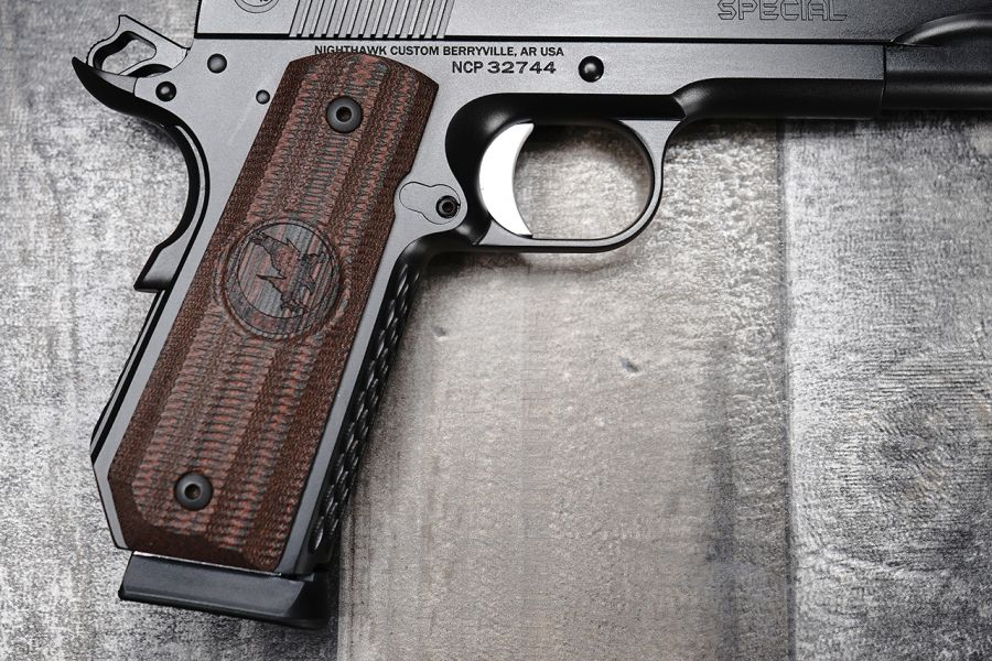 1911 Grips, Gator Back, Red, Linen Micarta, Contoured Carry Cut, Government/Commander